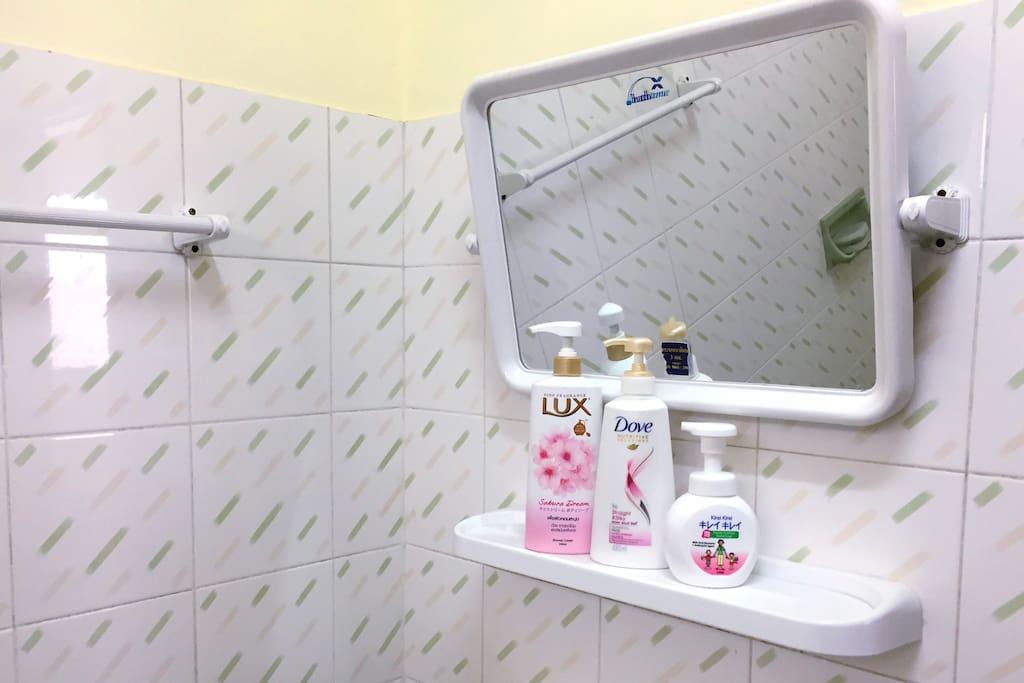 bathroom卫生间