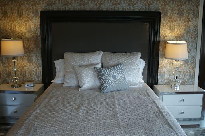 Fountainview Inn - Suite 301