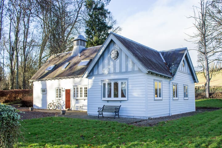 Ardblair Castle Coach House: Self-Catering Cottage - Blairgowrie and Rattray - Hus