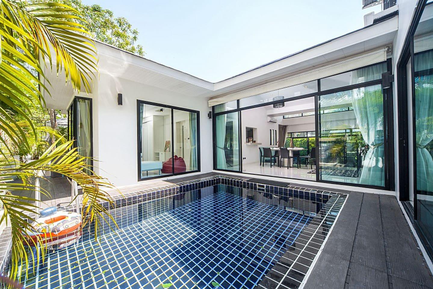 私家泳池4卧别墅