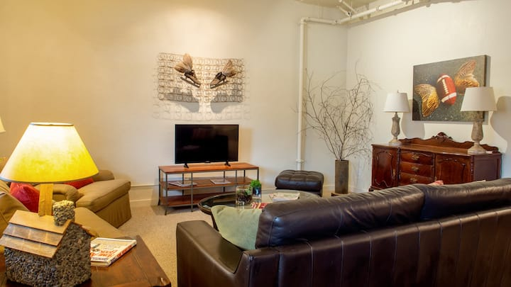 Large Executive loft in historic Grants Pass#113