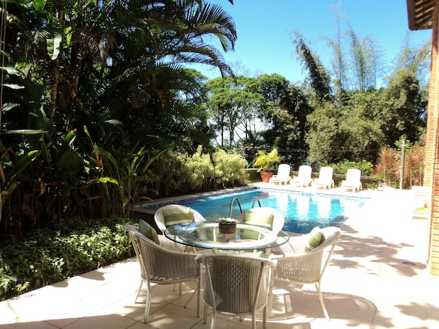 Tropical house in the best Condominium of Guaruja.