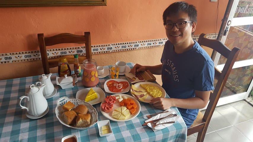 Guest in the breakfast