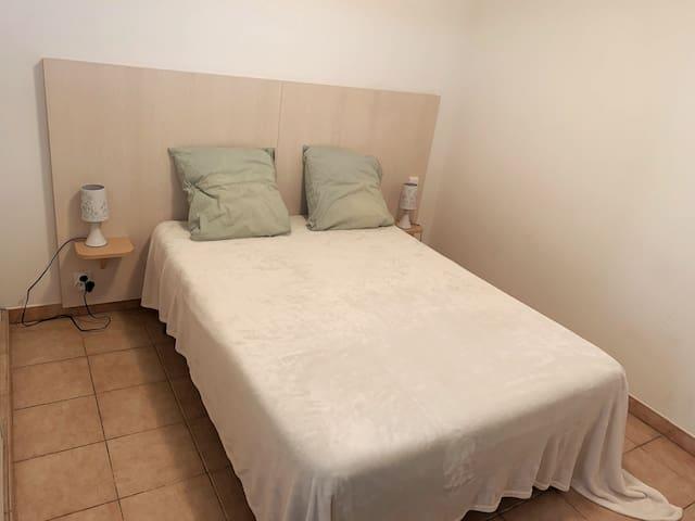 Le lit prêt à vous reposer !!!