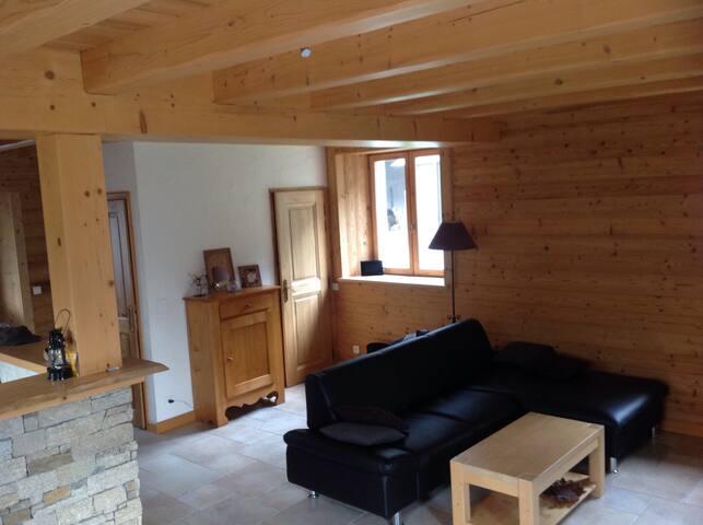 Petite maison interieur typé chalet - Magland - Villa