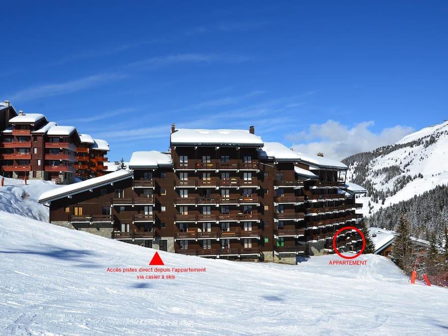 Vue sur les pistes et accès ultra rapide ! Chaussez vos skis devant la résidence !