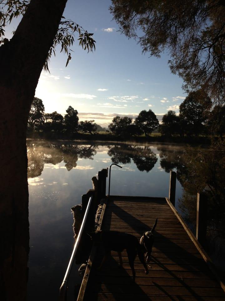 Ravenswood River Rest