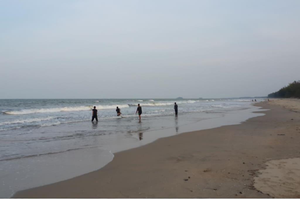 Rompin Beach-beautiful sandy beach( 2 minutes walk from LC homestay)