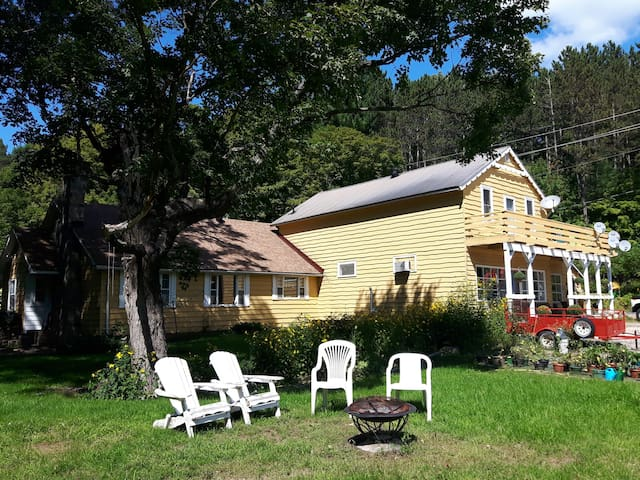 Stay in a 19th century Algonquin Highlands home.