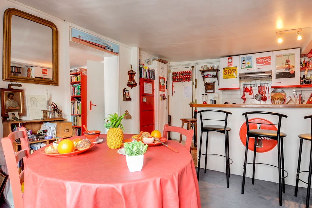 Bright Dining Room/Kitchen