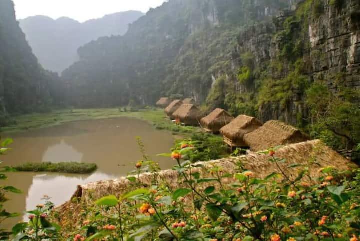Bungalow Water Front at Ninh Binh Vietnam