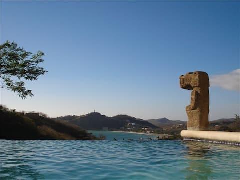 Infinity pool, Walk to town, Epic Views