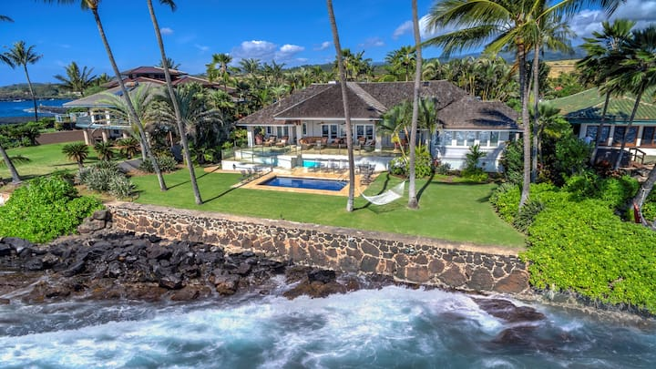 Kukui'ula Kai - Oceanfront Home with Pool and Large Lounge Area