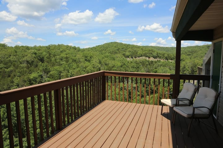 Pool | Hot Tub | Wi-Fi | Top Unit | Lake Views |  SDC (061606)