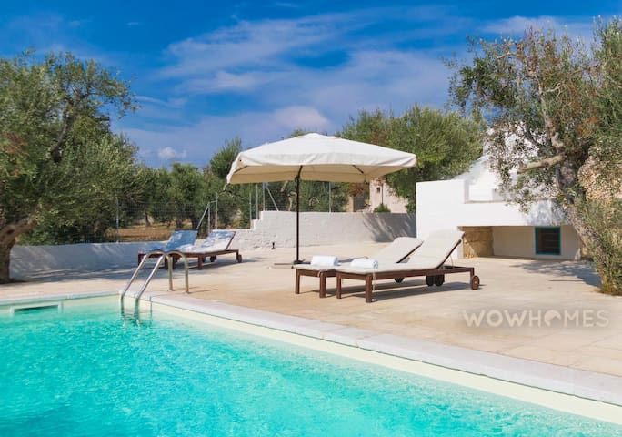 Traditional villa with private pool a few minutes drive from the sea