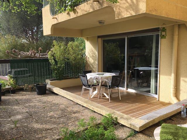 studio en rez de jardin - Le Lavandou - Departamento