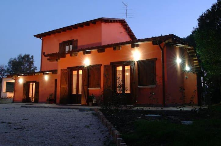 Il Fiorile - Benevento - Wikt i opierunek