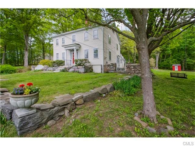 Colonial Home in the Berkshire Foothills - Brookfield