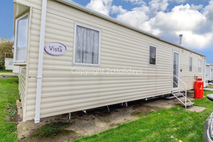 8 berth caravan for hire near Great Yarmouth at Broadland sands ref 20184BS