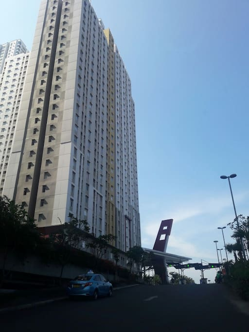 Tower Borneo - side by side w/ East Lobby Mall