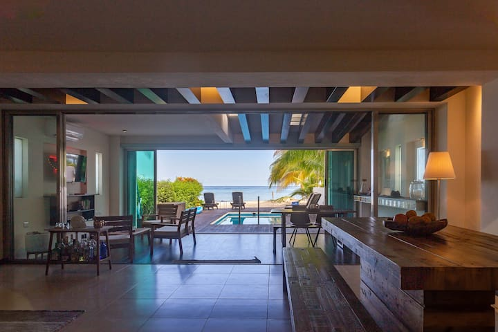 Beach house w/ private pool & sandy beach for 8.