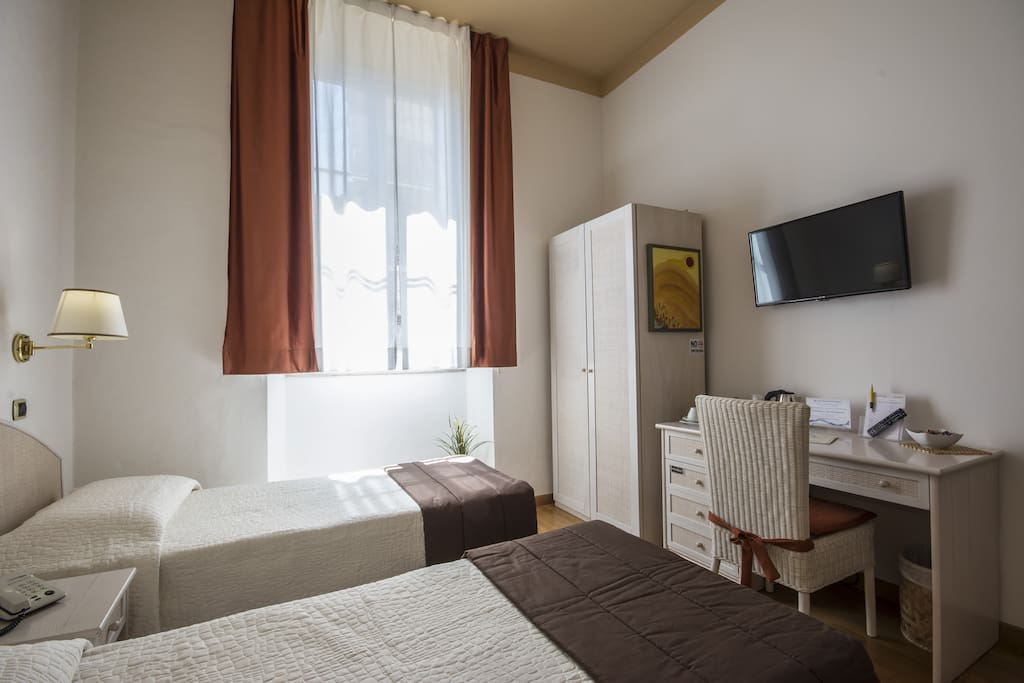 Standard double room duomo boutique hotel in affitto a for Boutique hotel duomo