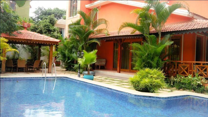 Goa Holiday Villas: Presidential Pool Villa - Candolim - Villa