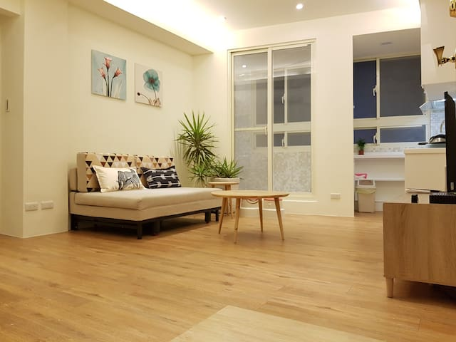 Near MRT@Shilin Warm Cozy 3 Bedrooms charming apt