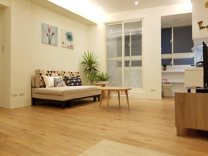Near MRT@Shilin Warm Cozy 3 Bedrooms charming apt