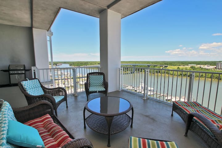 Wharf 909 - Newly updated furnishings. Gorgeous views from your private balcony and exclusive use of the outdoor water park!