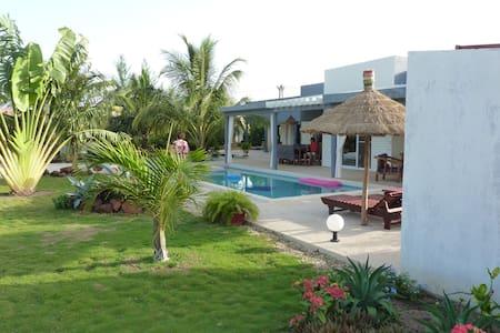 Chambre d'hôte les vacanciers - Nianing - Vila