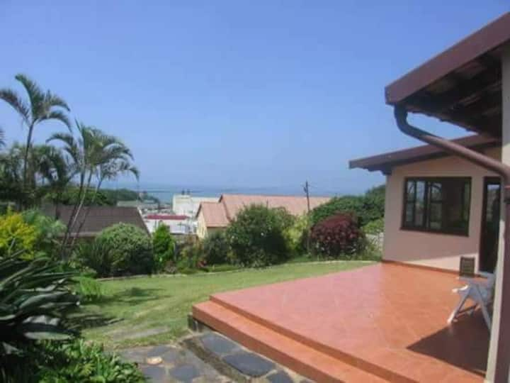 Shelly Beach Cosey Home