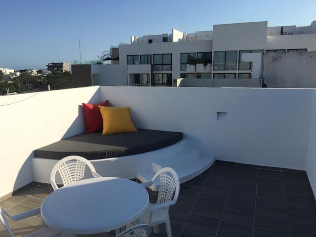Best Penthouse in the heart of PDC! Private Roof!