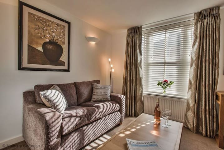 Highcliffe Apartment, City centre, sleeps 2 great for couples. - Winchester  - Appartement