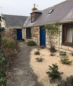 Findhorn 8 bed family holiday home