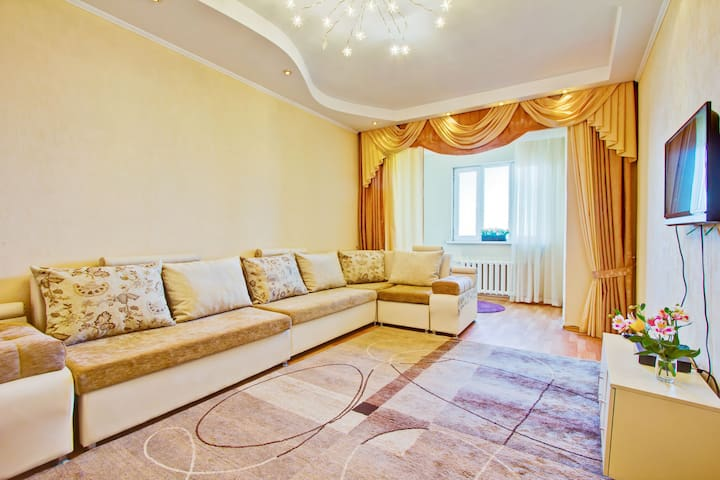 Comfortable 2BR in center of city - Bişkek - Daire