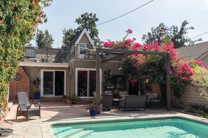 Charming Home Close to Glendale and Burbank