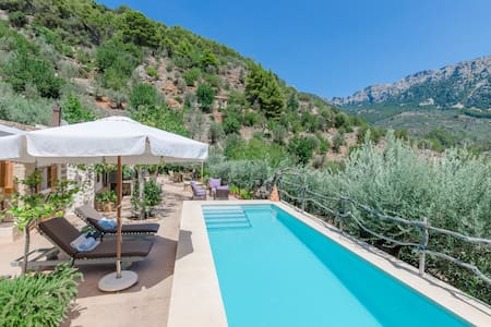SES BEGUDES - Beautiful chalet with private pool and stunning mountain views. Free WiFi