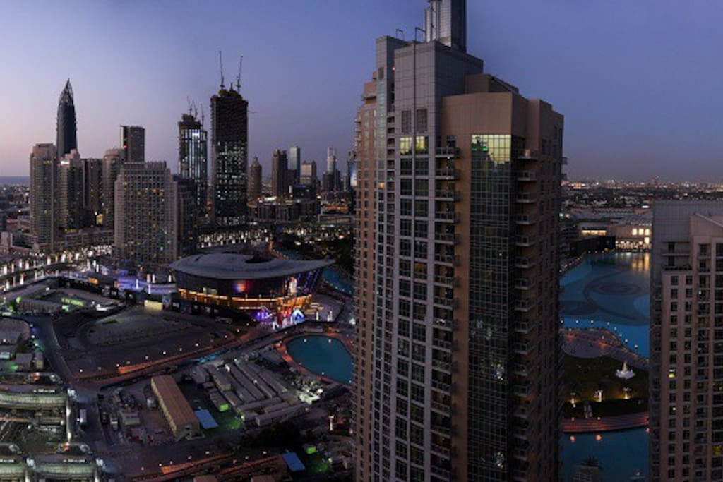 Mesmerizing View of Dubai Downtown,Opera and Burj Khalifa