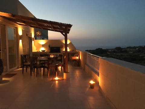 Fabulous Penthouse, Sea views, Huge Terrace & pool