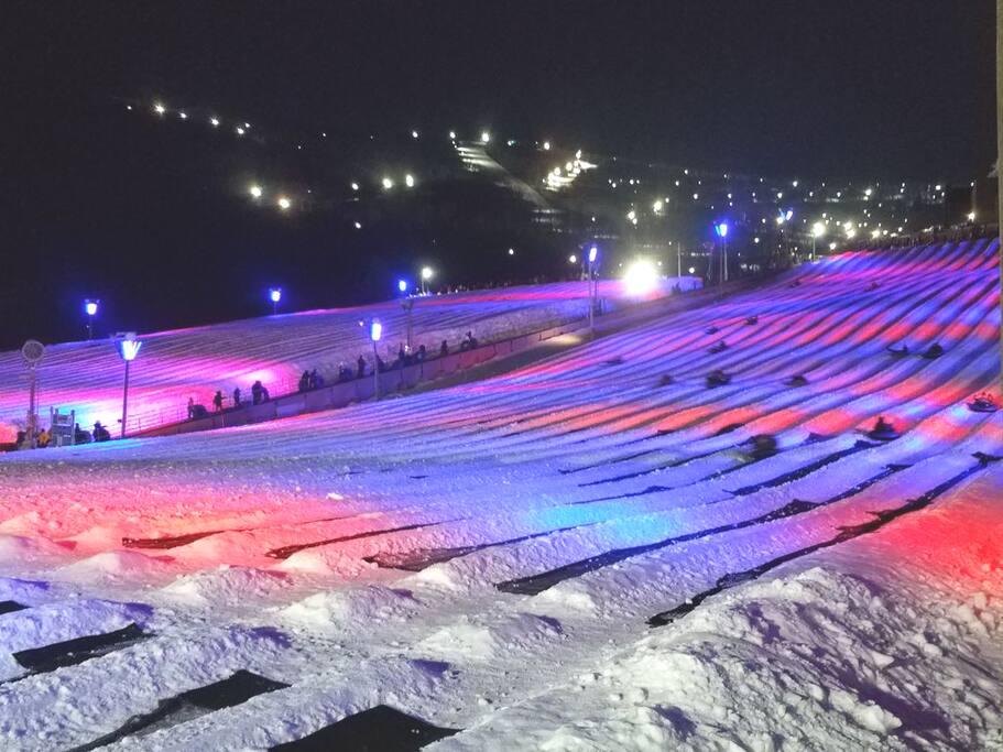 Night snowtubing at Camelback