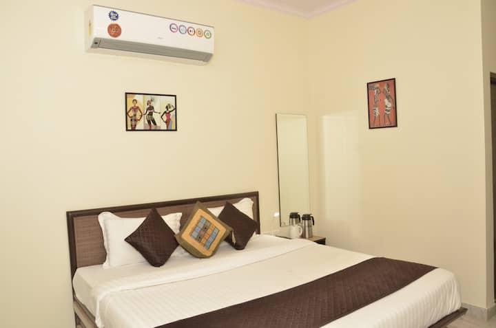 Ultra Luxurious One Bedroom Suite & Breakfast
