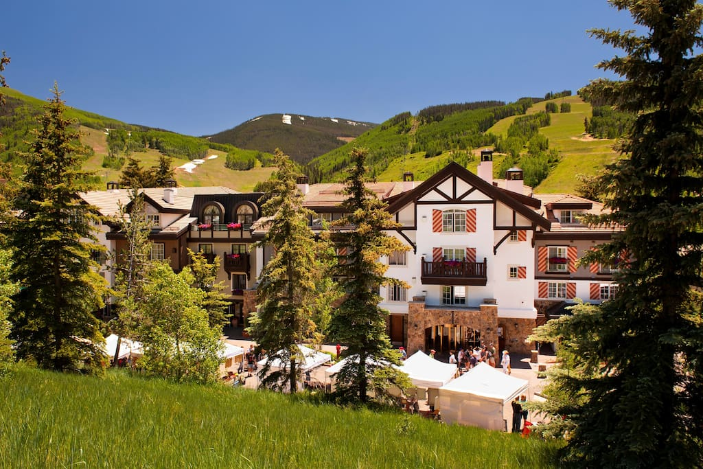 Enjoy the stylish mountain surroundings!