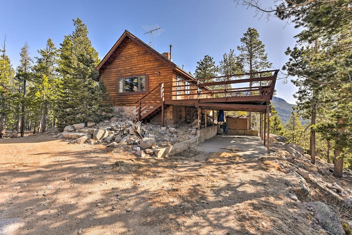 5-Acre Allenspark Cabin w/ Rocky Mntn Views & Pond