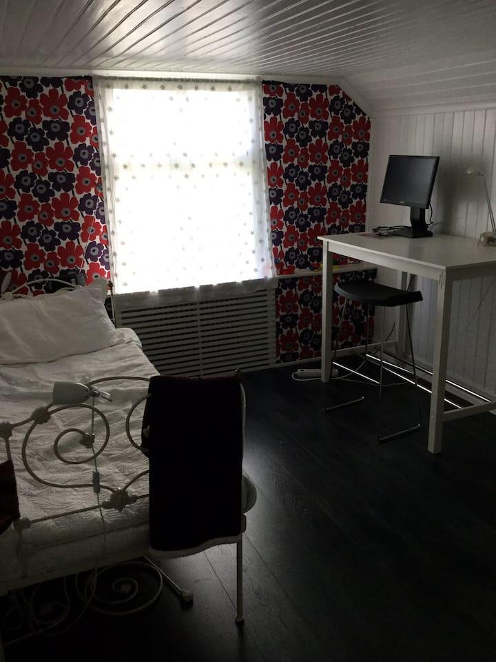 Borås Dalsjöfors studentrum m egen ingång & badrum