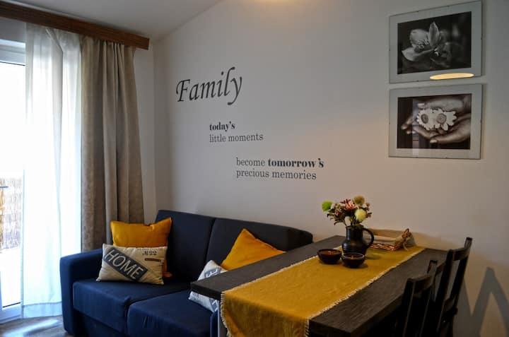 Sweet Home Lustig / Sweet Home Lustig studio
