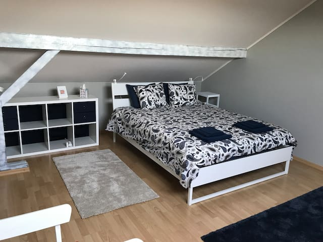 Cosy Attic in quiet village - 10min to Kirchberg
