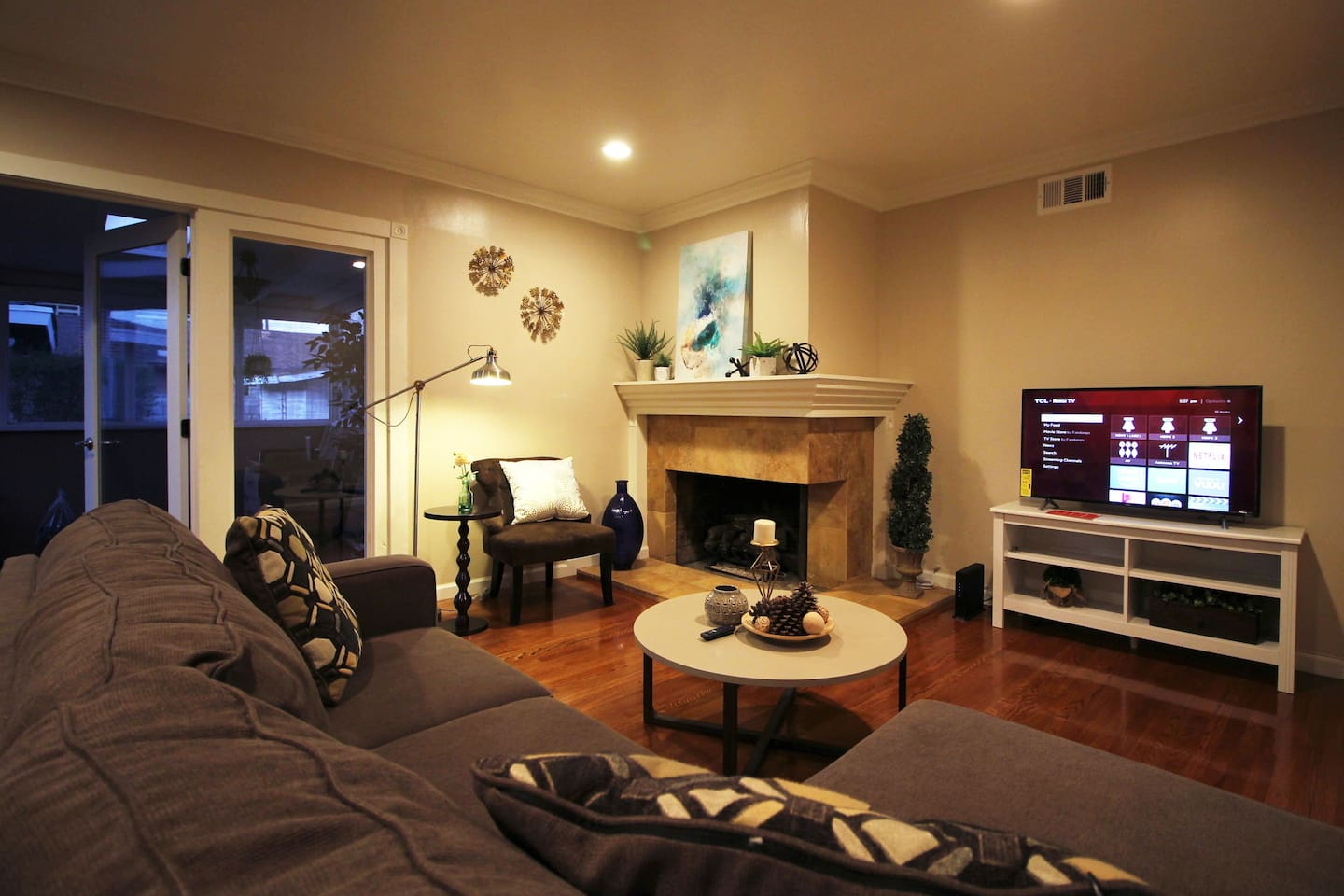 New, Cozy Home Near Disneyland & Many Attractions - Houses for Rent ...