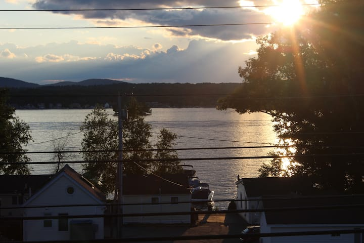 Amazing water view condo in Gilford