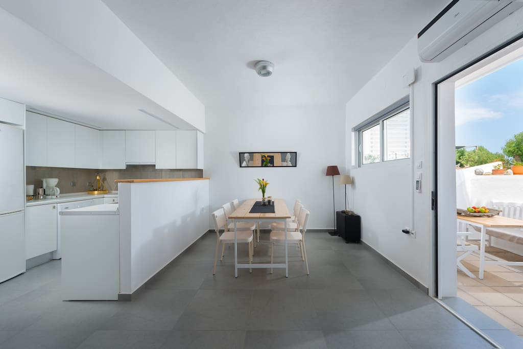 A modern fully equipped open Kitchen